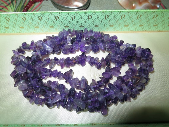 """Delightful vintage long necklace with genuine amethyst chips 34"""""""
