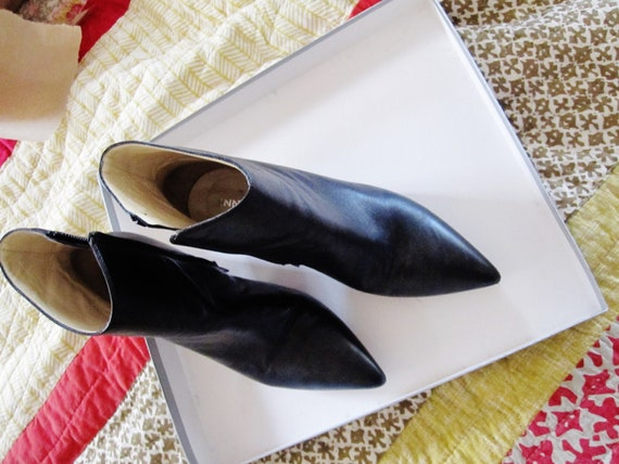 Lovely made in Italy Innovare black and reptile heel leather pointy toe block heel boots 36 6