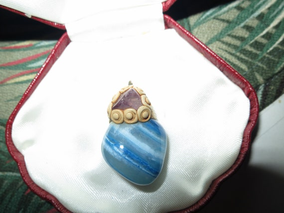 Lovely vintage unusual polished blue agate stone and amethyst pendant