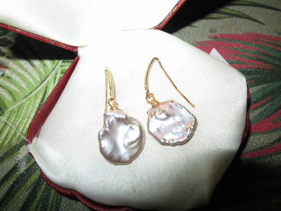 Lovely 18 ct gold filled baroque Keshi high lustre pearl drop earrings