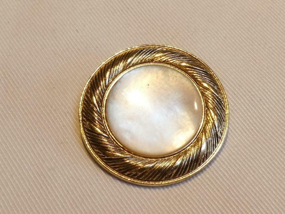 Lovely vintage West Germany pearlised lucite scarf clip