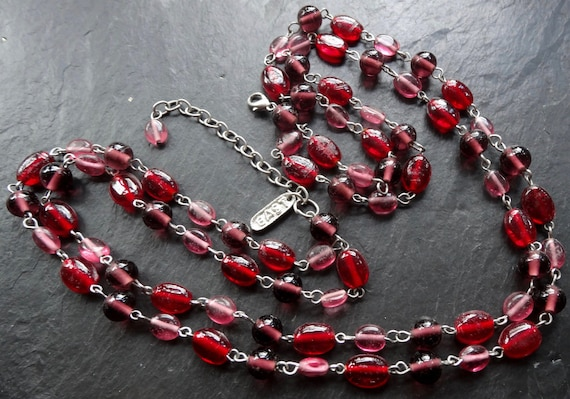 Lovely vintage wired red and pink glass 2 strand necklace