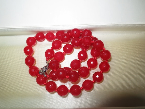 Beautiful faceted 10mm raw red ruby knotted necklace silver plated clasp