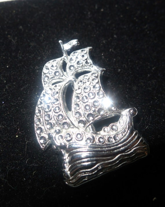 Lovely vintage faux marcasite Charles Horner staybrite galleon ship brooch
