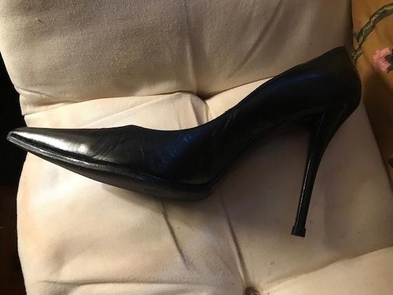 Fabulous Stuart Weitzman Hurricane Black Stiletto pointy toe Heels 6 1/2 Perfect