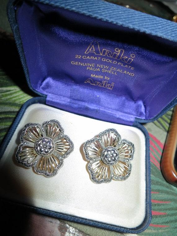 Wonderful vintage gold metal flower marcasite clip on earrings