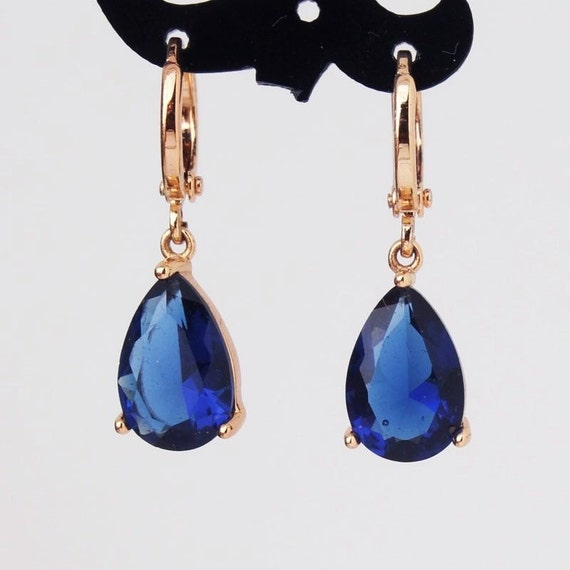 Lovely 18 ct yellow gold filled blue sapphire crystal drop earrings