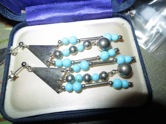 Wonderful vintage silvertone fx turquoise dropper earrings