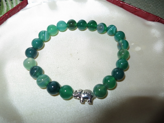 """Lovely natural 8mm round green agate glass stretch unisex bangle 7.5"""""""