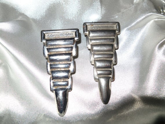 Beautiful pair of vintage Art Deco 1940s chrome metal dress clips