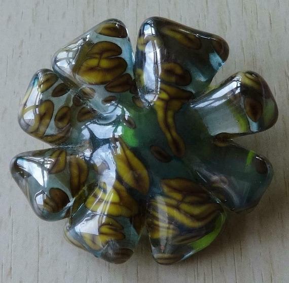 Lovely Vintage Italian MURANO   Soild Green art Glass Flower Brooch