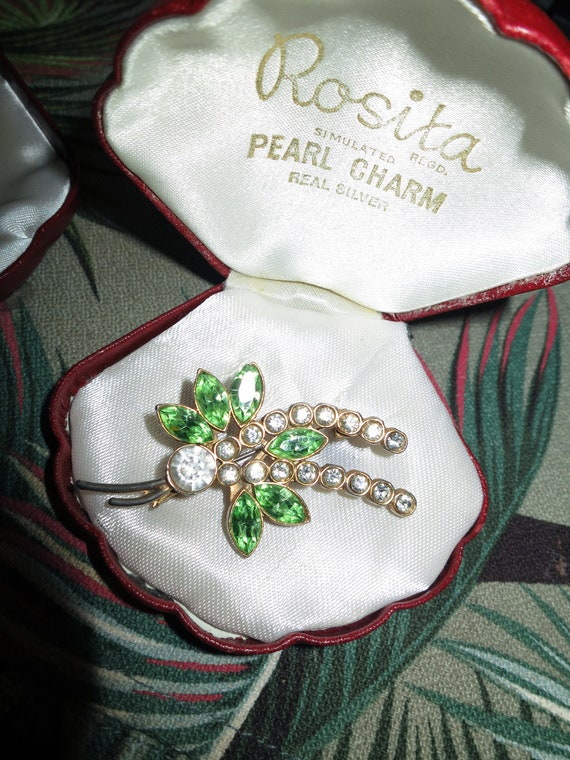 Lovely vintage gold metal green and clear  rhinestone floral brooch