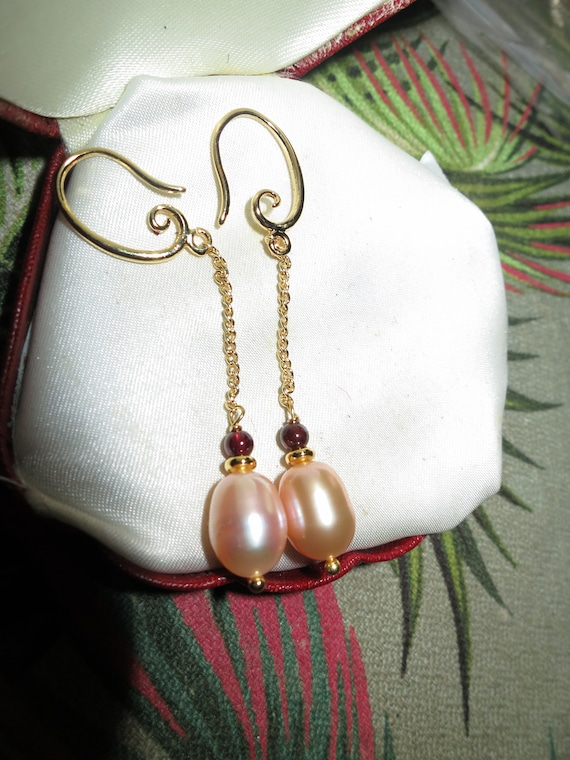 Lovely Natural Pink peach Freshwater Pearl Garnet Beads   Dangle Link gold filled Earrings