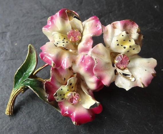 Beautiful vintage pink enamel rhinestone exotic orchid flower brooch gold tone