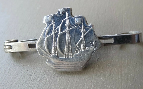 Lovely vintage art deco silver tone sailing ship bar brooch c pin
