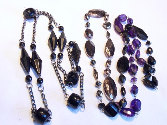 2 lovely vintae silvertone black purple hard plastic necklaces
