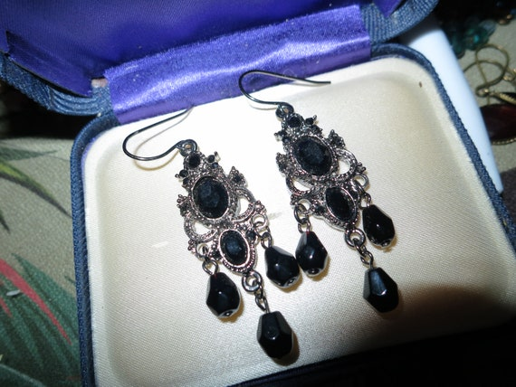 Beautiful vintage faceted black   glass dropper earrings