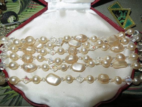 Lovely vintage 1950s aquamarine rhinestone necklace
