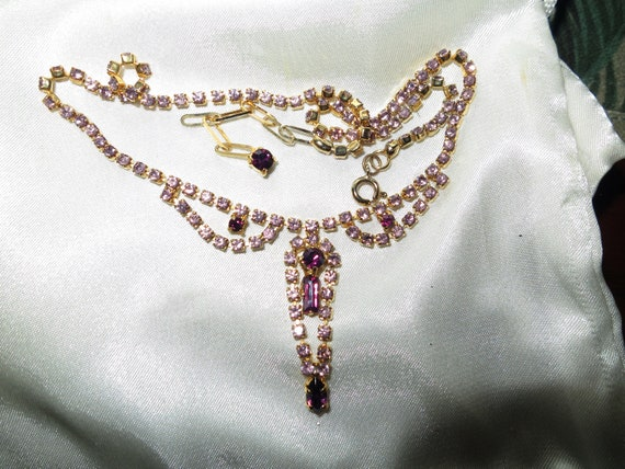 Gorgeous vintage goldtone amethyst  diamante glass necklace