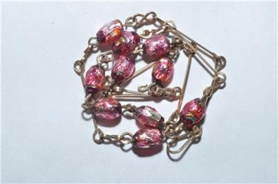 Very pretty vintage Art Deco cranberry foil glass rolled gold necklace