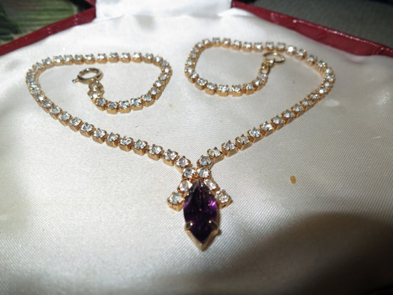 Wonderful Vintage goldtone amethyst and clear glass necklace