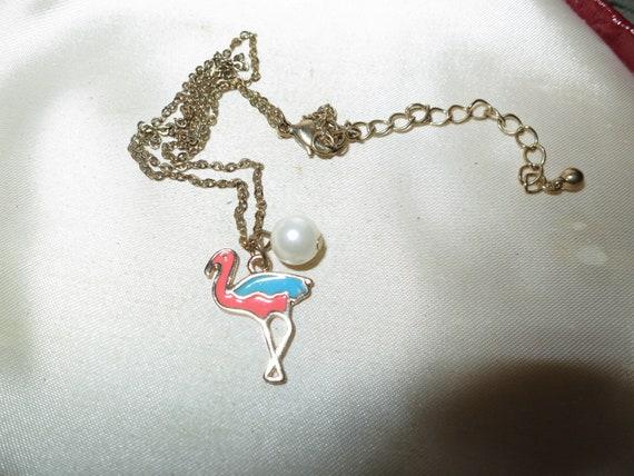 Beautiful vintage goldtone enamel flamingo fx pearl pendant  necklace