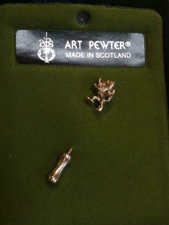 Vintage Art Pewter Scottish Pewter Rampant Lion Stick Pin/Lapel Pin brooch
