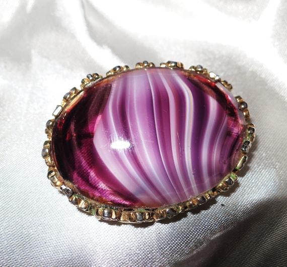 Beautiful vintage Scottish purple banded glass brooch
