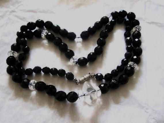 Lovely vintage 1950s Art Deco black French Jet glass necklace