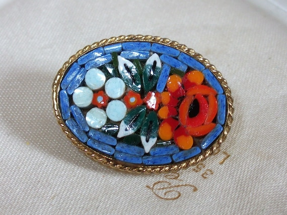 Adorable Vintage Italian Small Micro Mosaic Floral Design Brooch