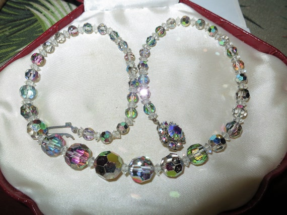 Beautiful vintage faceted silver rose aurora borealis crystal necklace