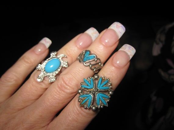 3 lovely vintage silvertone turquoise stone rings