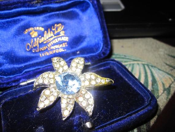 Wonderful vintage silvertone clear and aqua glass flower brooch