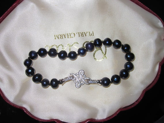 Lovely 8 mm cultured black  freshwater pearl  bracelet rhinestone clasp 8""