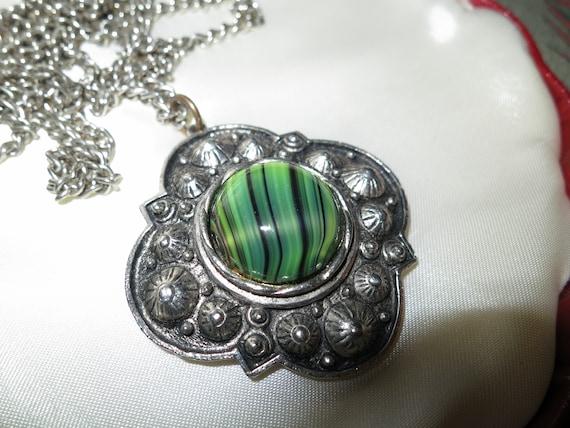 Beautiful vintage silvertone green glass malachite Scottish pendant necklace