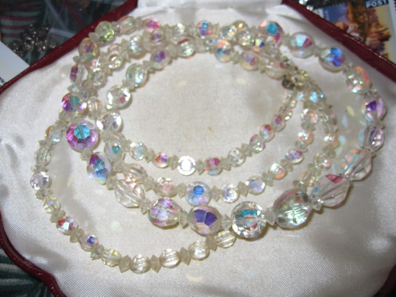"Beautiful sparkly Vintage 1950's 39"" Long Austrian aurora crystal Bead Necklace"