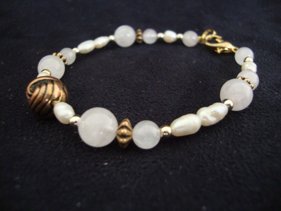 Beautiful vintage  Rose Quartz and freshwater pearl bracelet