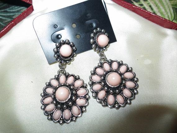 Wonderful vintage pair of pink lucite dropper earrings for pierced ears