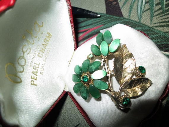 Lovely vintage gold metal green thermoset lucite and   glass brooch