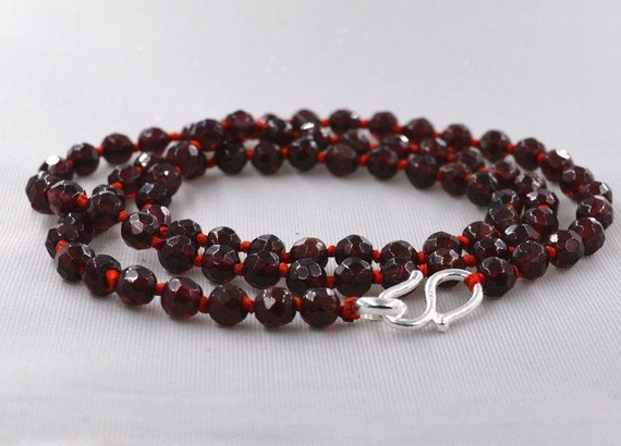 Lovely 5mm  faceted knotted natural raw Garnet necklace 18""