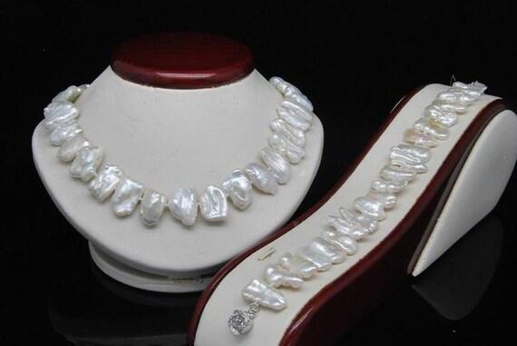 Beautiful Natural Shape White Biwa Pearl Necklace Bracelet Set