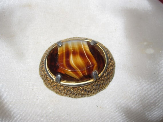 Lovely Vintage goldtone ornate faceted tortoiseshell glass brooch