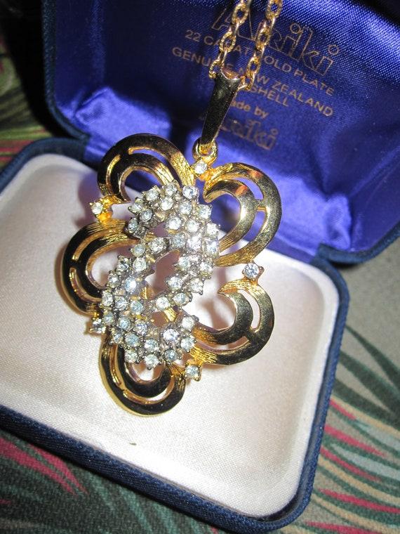 Lovely vintage goldtone rhinestone modernist pendant necklace