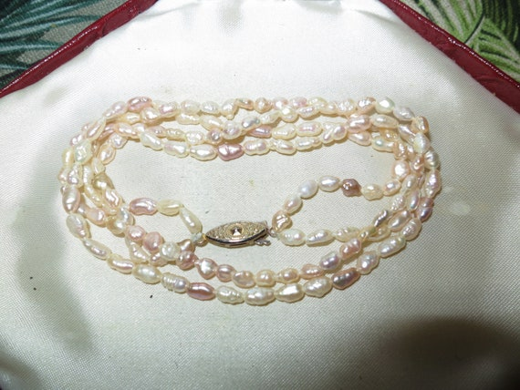 Lovely vintage 2 strand cream real freshwater pearl bead necklace