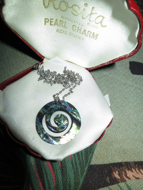 Vintage Silvertone Chain & Green/Blue Abalone Shell pendant necklace