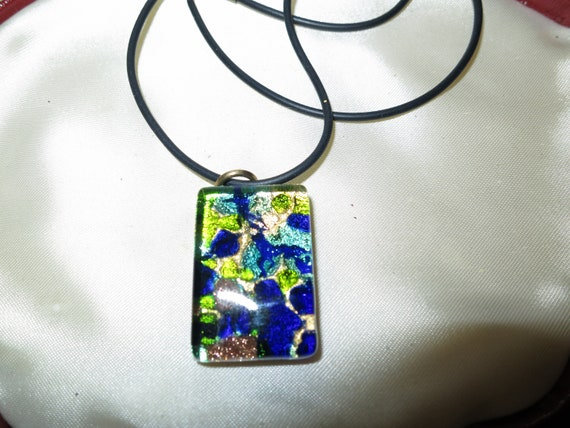 Beautiful  Vintage quality Italian Murano Vetro foil glass pendant necklace