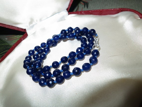 Lovely 6mm faceted natural raw dark blue sapphire  knotted necklace sterling silver clasp