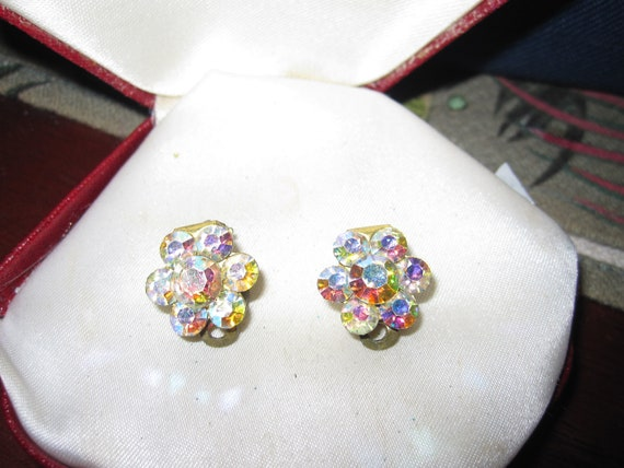 Beautiful  vintage  faceted aurora borealis crystal clip on earrings
