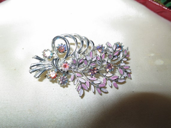 Lovely Vintage silvertone pink enamel AB glass flower brooch