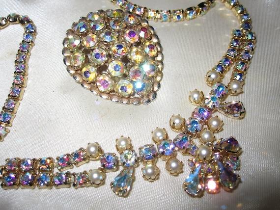 Beautiful Vintage set of rainbow aurora borealis seed pearl necklace and brooch